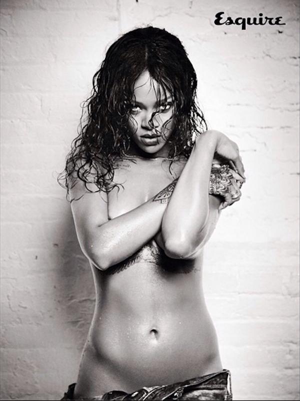 Rihanna Naked Blog 36