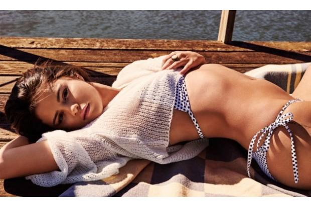 selena-gomez-bikini-gq-2016-compressed