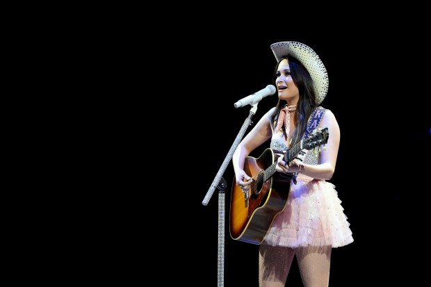 kacey-musgraves-live-2016-compressed