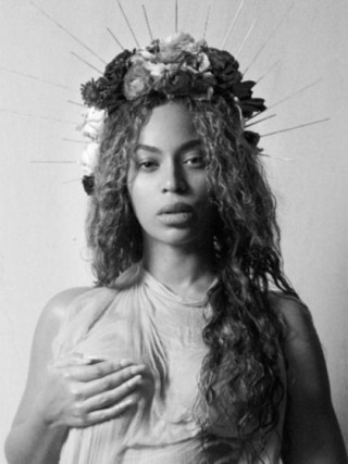 beyonce-nude-pregnant-18-1486065787-420x560