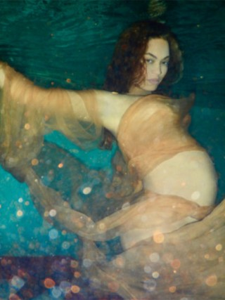 beyonce-nude-pregnant-20-1486065802-420x560